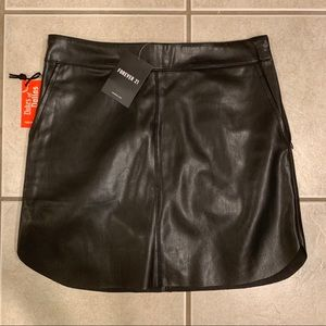 NWT faux leather skirt small